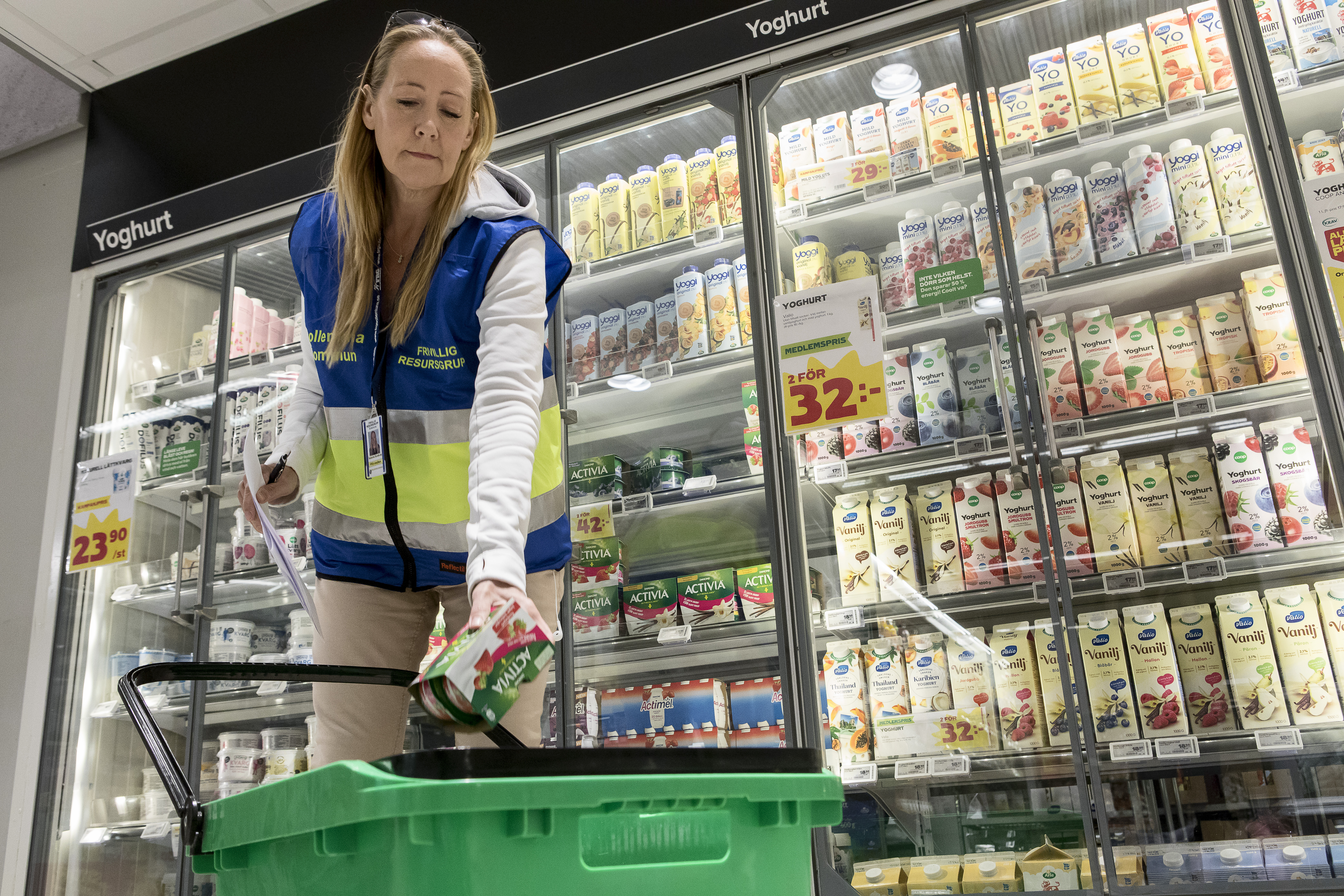 Bild. 1 FRG stöttar med att handla mat för personer som är över 70 eller tillhör en riskgrupp.
